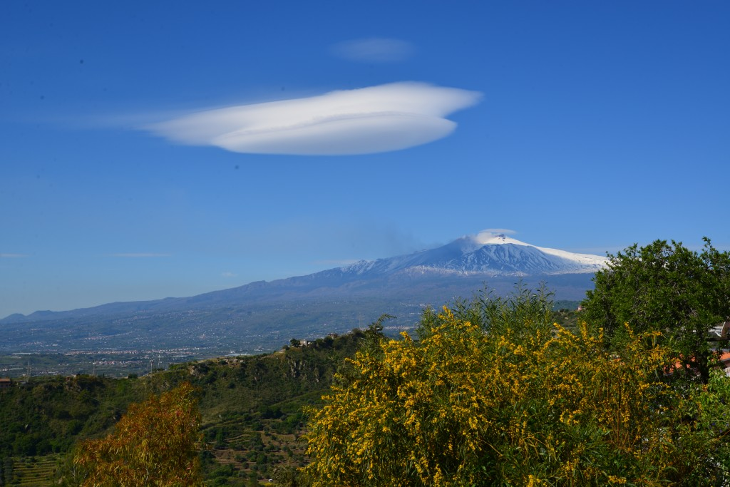 Etna and Altocumulus lenticularis