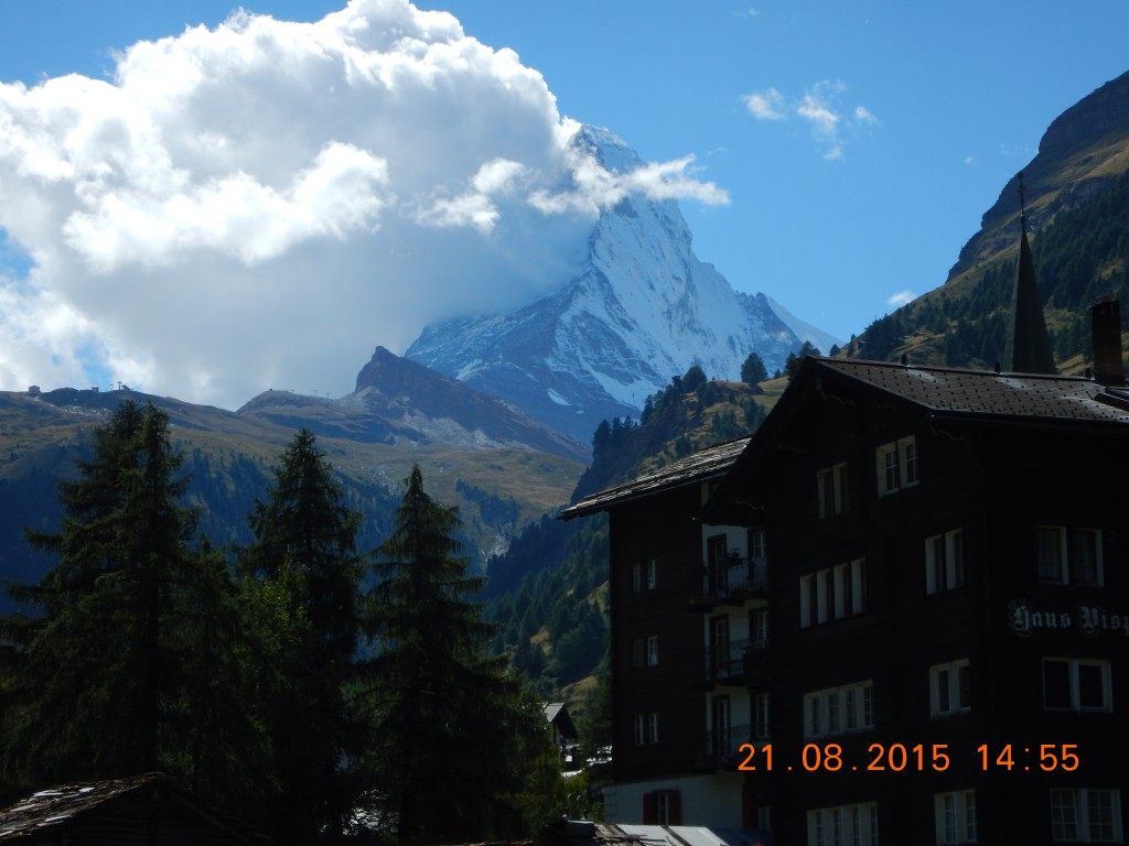 A view to the Matterhorn from the promenade